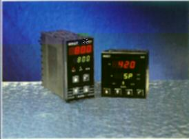 West 4200 & 8200 PID Controllers